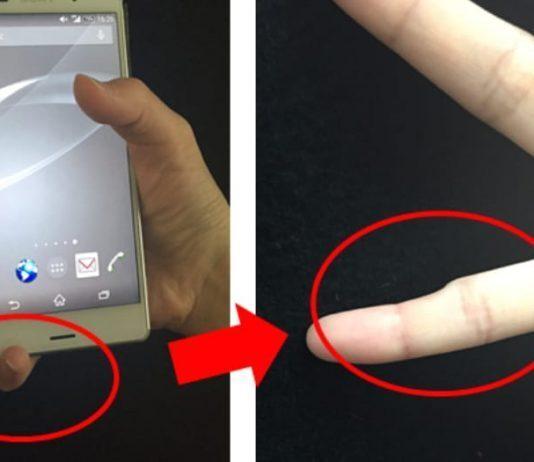 smartphone in mano