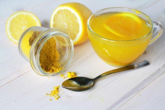 il succo di limone aiuta nella perdita di peso
