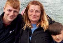 Sarah Carew e i suoi figli.