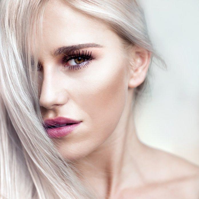lo stress fa venire i capelli bianchi