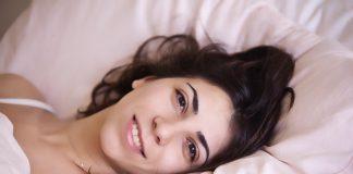 rimanere-a-letto-dopo-la-sveglia