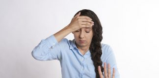 svegliarsi con mal di testa