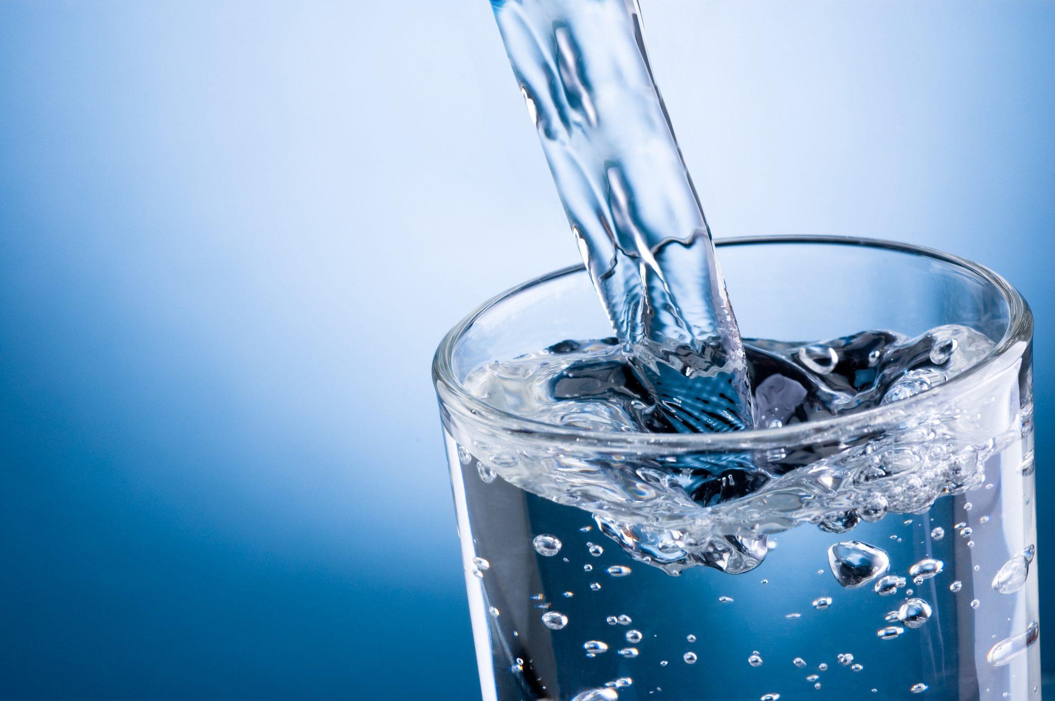 acqua-rubinetto-vs-acqua-bottiglia