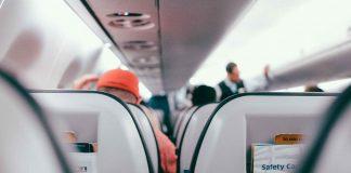 esercizi per i viaggi lunghi in aereo